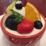 阪急三国駅から徒歩5分。カフェ併設のケーキ屋さん。